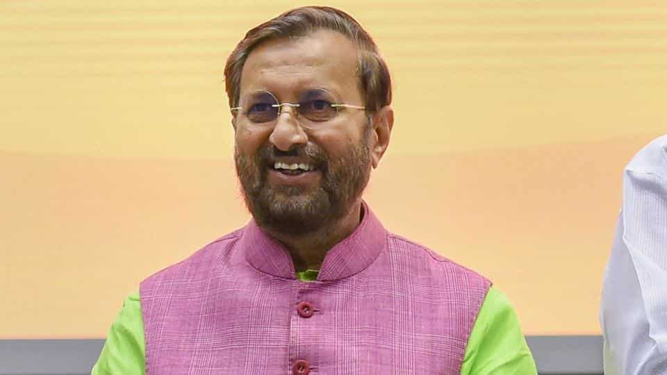 School Syllabus May Be Cut By 15% Next Academic Year says HRD Minister Javadekar