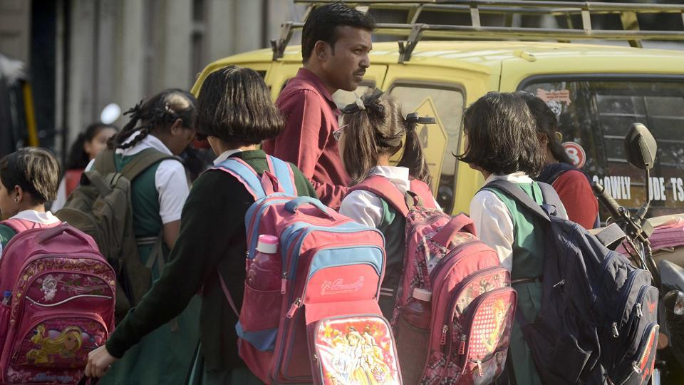 Odisha government to check weight of school bags in state